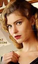 Magnifica presenza, gli eccentrici compagni di un attore - Il character poster di Vittoria Puccini e Cem Yilmaz.
