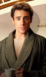 Magnifica presenza, gli eccentrici compagni di un attore - Il character poster di Elio Germano.