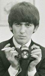 George Harrison: Living in the Material World, le foto del film - George Harrison in una scena del film <em>George Harrison: Living in the Material World</em> di Martin Scorsese.