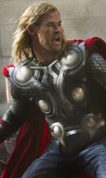 Supereroi a ritmo di commedia - In foto Thor e Captain America in una scena del film <em>The Avengers</em> di Joss Whedon.