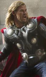 Supereroi a ritmo di commedia - In foto Thor e Captain America in una scena del film The Avengers di Joss Whedon.