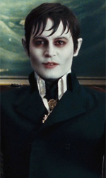 Film nelle sale: vampiri, precari e disoccupati - In foto Johnny Depp in una scena del film Dark Shadows di Tim Burton.