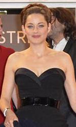 Cannes 65, flash per la Cotillard - Il cast di <em>De rouille et d'os</em>, sul red carpet di Cannes a ridosso della proiezione il film.