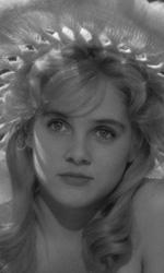 Lolita: un segnale da 50 anni - In foto Sue Lyon in una scenda del film Lolita di Stanley Kubrick.