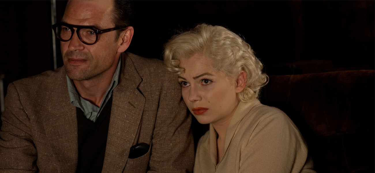 Michelle Williams e Dougray Scott in una scena del film <em>Marilyn</em> di Simon Curtis.