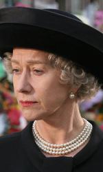 Sessant'anni di regno di Elisabetta - In foto Helen Mirren in una scena del film The Queen - La regina  di Stephen Frears.