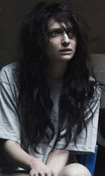 Paura 3D, le foto del film - Una pallidissima Francesca Cuttica sul set del film Paura 3D dei Manetti Bros.