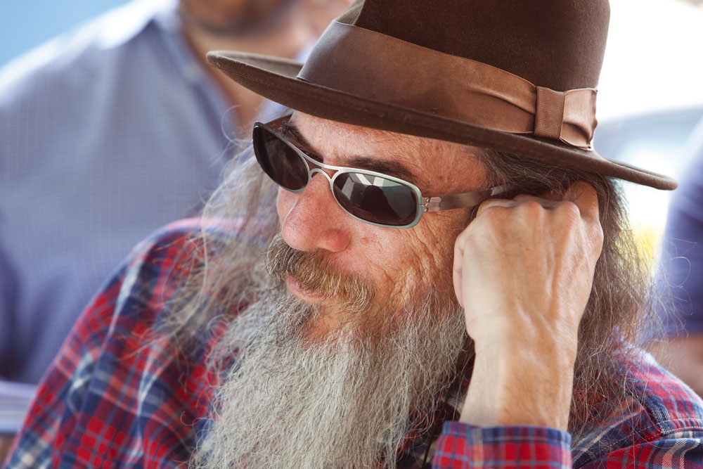 In foto Larry Charles (60 anni)