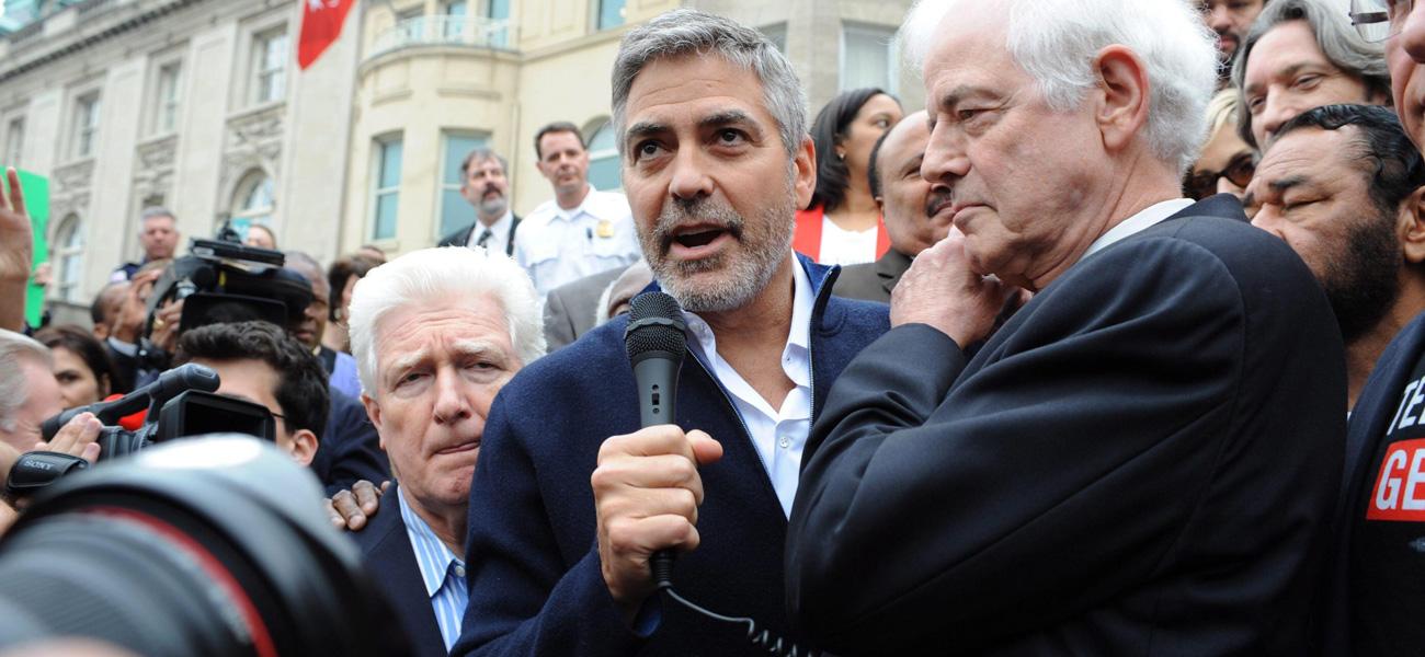 In foto l'attore George Clooney.