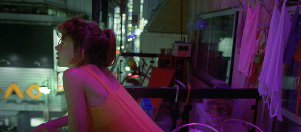 In foto una scena del film <em>Enter the Void</em> di Gaspar Noé. -