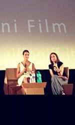 Giffoni Experience 2012, Jessica Alba all'inaugurazione - In foto l'attrice durante l'incontro con i ragazzi in Sala Truffaut.