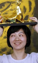Locarno, Pardo d'Oro a La fille de nulle part - La regista Fang Song riceve il Premio Miglior Opera Prima per il film Ji Yi Wang Zhe Wo.