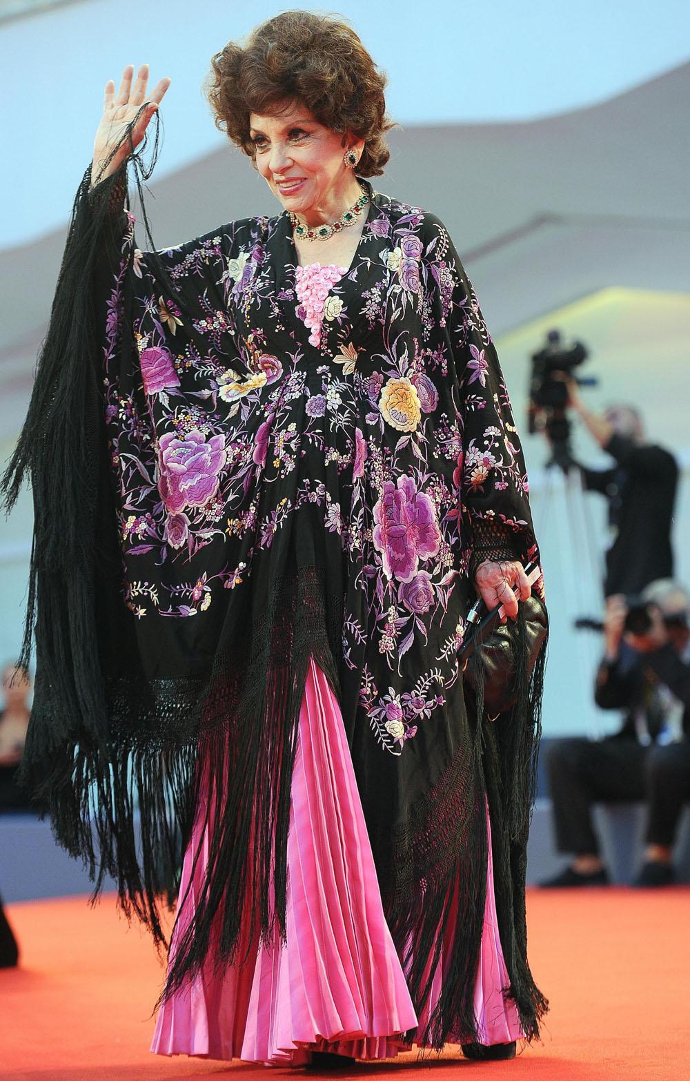 Venezia 69, il film shock di Kim Ki-Duk conquista tutti - Gina Lollobrigida e Jason Lewis sul red carpet.