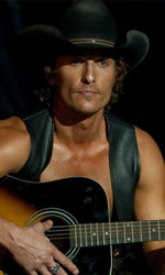 Il palco del desiderio - In foto Matthew McConaughey in una scena del film Magic Mike di Steven Soderbergh.
