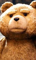 Film nelle sale: amanti, fantasmi e orsetti - In foto una scena del film Ted.