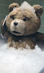 Ted, sempre re del botteghino - In foto una scena del film <em>Ted</em> di Seth MacFarlane.
