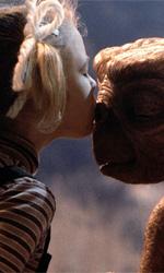 Universal, spazio, (fanta)scienza e fantasia - In foto una scena del film E.T. - L'extraterrestre.