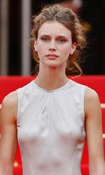 Cannes 66, arriva Valeria Golino - Francois Ozon, Marine Vacth e Fantin Ravat sul red carpet di Jeune et jolie.