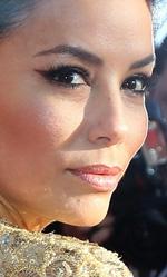 Cannes 66, in concorso Desplechin e Koreeda - In foto la star hollywoodiana Eva Longoria sfila sul tappeto rosso per la proiezione del film The Past.