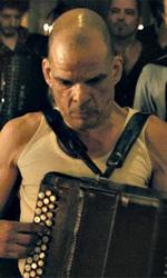 Lo sguardo ostinato - In foto una scena del film Holy Motors di Leos Carax.