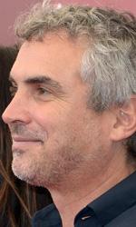 Gravity, lo spazio � un gioco di luci - In foto Alfonso Cuar�n, regista di gravity, tra Sandra Bullock e George Clooney.