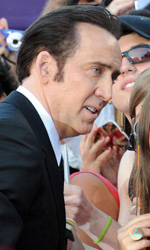 Venezia 70, ecco James Franco e Stephen Frears - Nicolas Cage si concede alle fan sul red carpet del film Joe di David Gordon Green.