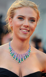 Venezia 70, l'Italia secondo Amelio - Scarlett Johansson sul red carpet di Under the Skin.
