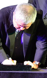 Busan 2013, cinema, cucina e intrepide soluzioni - La cerimonia di handprinting di Im Kwon-taek.