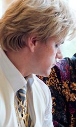 Il corpo è lo spettacolo - Matt Damon e Michael Douglas in una scena del film Dietro i candelabri di Steven Soderbergh.