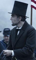 Lincoln, le ore che hanno fatto la storia - In foto Daniel Day Lewis in una scena del film Lincoln di Steven Spielberg.