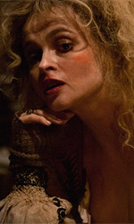 Film nelle sale: assassini e miserabili - In foto Helena Bonham Carter in una scena del film Les Mis�rables di Tom Hooper.