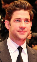 Berlinale 2013, in concorso Shia LaBeouf contende la donna a un boss - John Krasinski sul red carpet del film Promised Land.