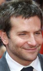 Berlinale 2014, il giorno di George Clooney - In foto Bradley Cooper sul red carpet di American Hustle - L'apparenza inganna di David O. Russell.