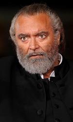 Festival di Roma 2014, si apre con Soap Opera - Spaccone e sospettoso, il maresciallo Gaetano Cavallo (interpretato da Diego Abatantuono) entra in gioco dopo il suicidio di Pietro.