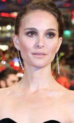 Berlinale 2015, Natalie Portman e Christian Bale sul red carpet - Il titolo si riferisce al Cavaliere di coppe, una carta dei tarocchi. Il film svela la storia di Rick, un artista apparentemente di successo ma che in realtà è schiavo del sistema di Hollywood.
