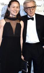 Festival di Cannes 2015, in concorso Moretti e Gus Van Sant - Woody Allen insieme alla moglie Soon Yi.