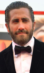 Venezia 72, Jake Gyllenhaal protagonista del primo red carpet - Jake Gyllenhaal (in Everest è Scott Fisher, un alpinista con il vizio dell'alcool), accolto da un bagno di folla, torna al Lido a dieci anni da I segreti di Brockeback Mountain, il film di Ang Lee che vinse il Leone d'oro.