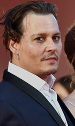 Venezia 72, tutti pazzi per Johnny Depp - Ancora i quattro: Johnny Depp, Dakota Johnson, il regista Scott Cooper e Joel Edgerton.