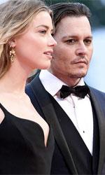 Venezia 72, tutti pazzi per Johnny Depp - In foto Johnny Depp, protagonista di <em>Black Mass</em> (Fuori Concorso) in compagnia della bellissima moglie Amber Heard.