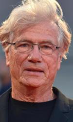 Venezia 72, il thriller di Egoyan conquista il Lido - L'attore Jurgen Prochnow, insieme a Verena Wrengler sul red carpet di Remember.