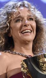 Venezia 72, il trionfo di Desde All� - Valeria Golino riceve la Coppa Volpi per la migliore interpretazione femminile dal regista Francesco Munzi.