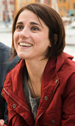 Eleonora Giovanardi, lo <em>Status</em> dell'attrice di talento - Quando Checco incontra la ricercatrice se ne innamora subito perdutamente. Da quel momento farà di tutto e di più perché lei ricambi il sentimento.