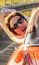 La pazza gioia, women movie del cinema italiano contemporaneo - Valeria Bruni Tedeschi e Micaela Ramazzotti sono Beatrice e Donatella, protagoniste del film di Paolo Virz� La pazza gioia. Al cinema.