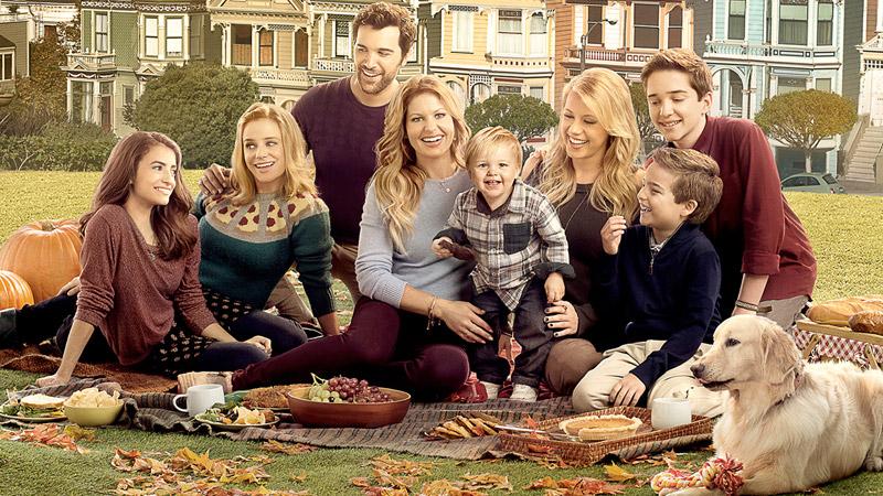 Stephanie, Kimmy e D.J. Tanner-Fuller sono Le amiche di mamma. Da oggi su Netflix