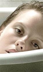 In foto Mia Goth Dall'articolo: La cura dal benessere, Verbinski tra detective e mystery movie.