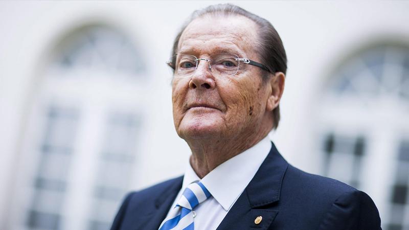 È morto Roger Moore, celebre James Bond