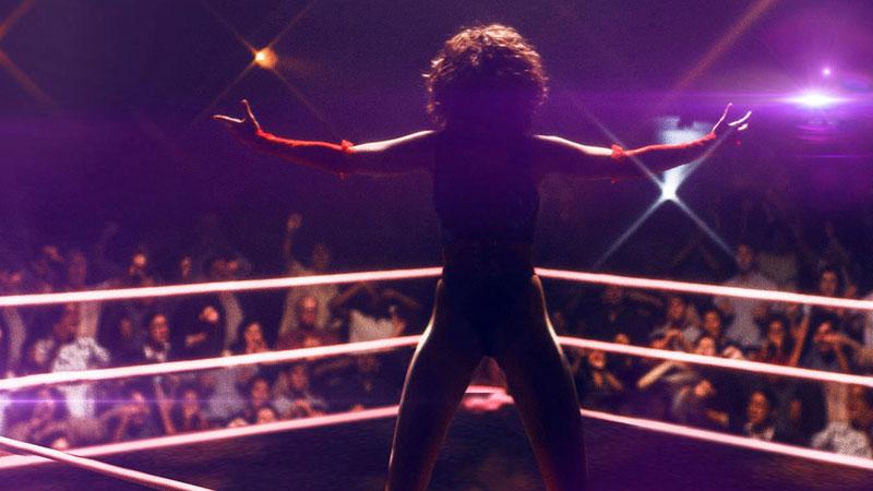 Alison Brie è finalmente sul ring. Glow, ora su Netflix