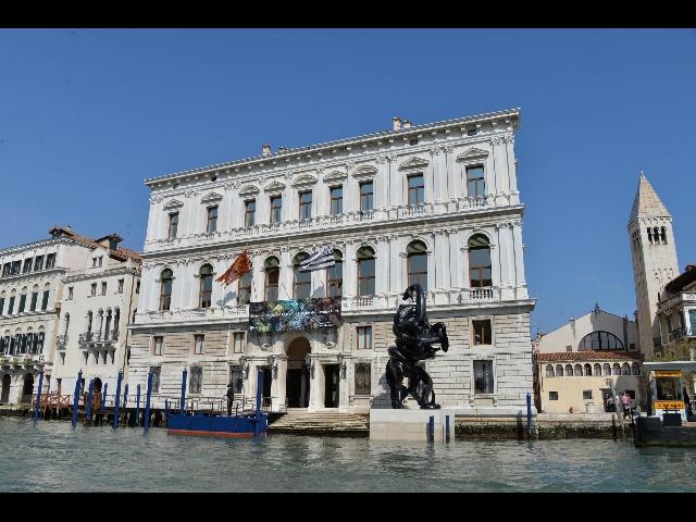 Mostre nel 2008 albert oelhen a venezia for Venezia mostre 2017
