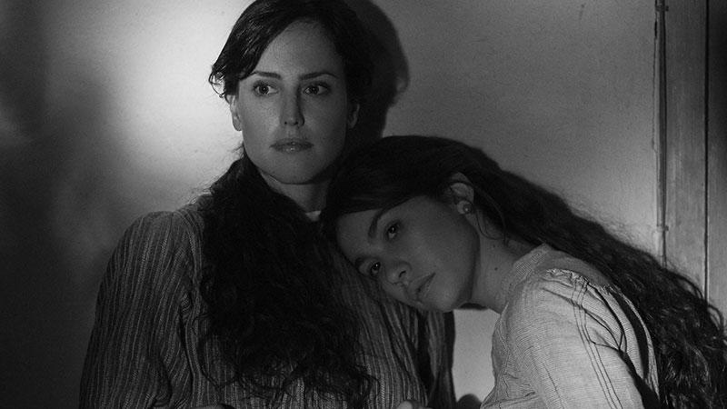 Elisa y Marcela, sopra le righe di una storia vera, Coixet eccede in tutto