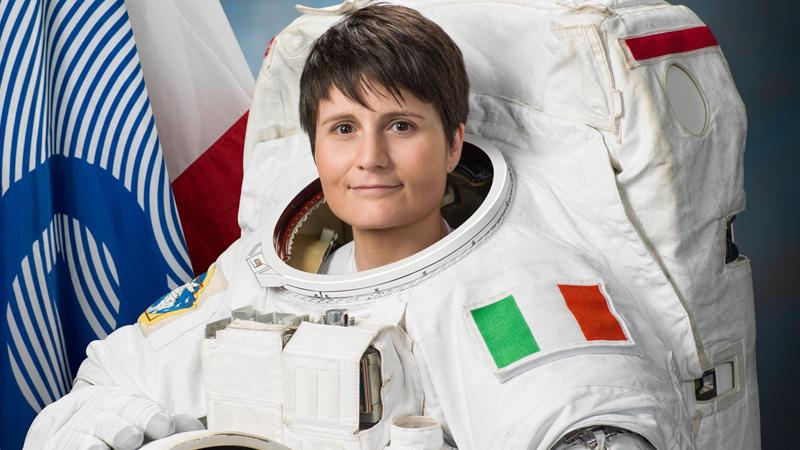 Astrosamantha - La donna dei record nello spazio